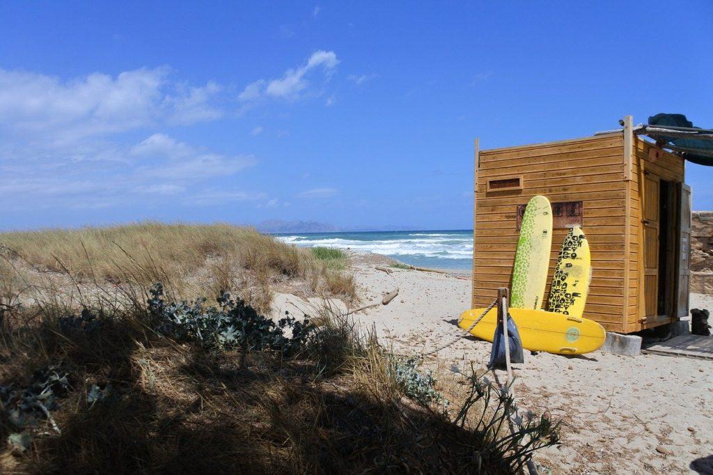 ロングボードとビーチ