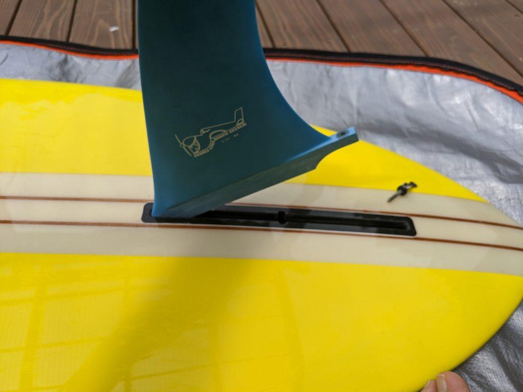 シングルフィン用の便利なボルト