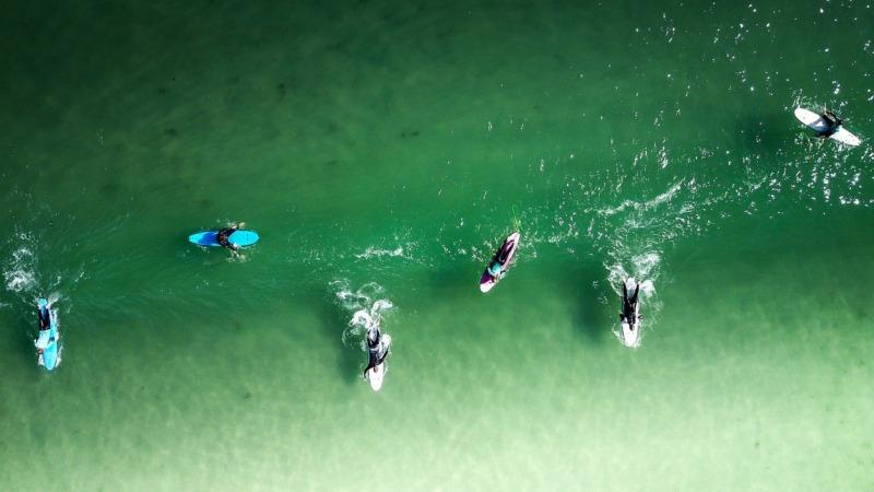 初心者サーファー波待ちのコツ「波を待っている」と「待っている波」